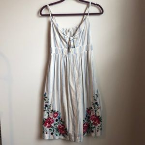 XS summer dress with flower embroidery